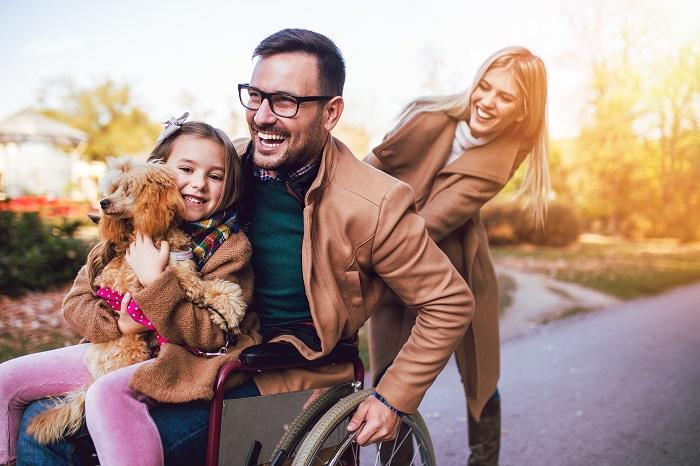 Der Pudel ist der perfekte Familienhund. (Foto: shutterstock.com / hedgehog94)