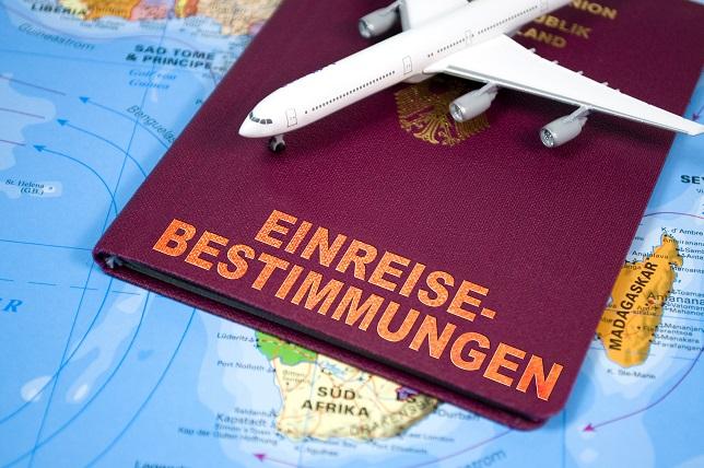 Reisepass mit Einreisebestimmungen:  Das sollte man vorher abfragen, ob das auch für Hund gilt