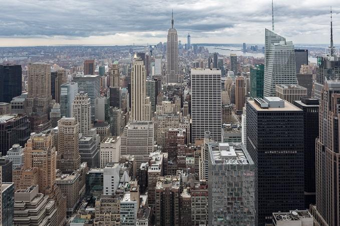 Vor einiger Zeit versuchte die Stadt New York, größere Hunden aus der U-Bahn zu verbannen.(#09)