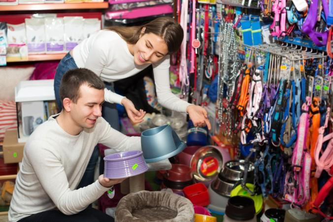 Interessant für den Kunden sind zudem die große Auswahl und die zumeist kleineren Preise gegenüber dem Einzelhandel vor Ort. (#4)