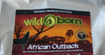 Wildborn Hundefutter 2020: African Outback im Test (Foto: Claudia Weigl)