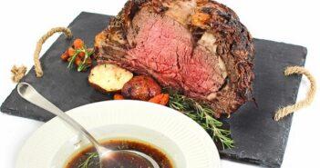 Fleischsaftgarung für Premium-Trockenfutter (Foto: shutterstock.com / Valentina Razumova)