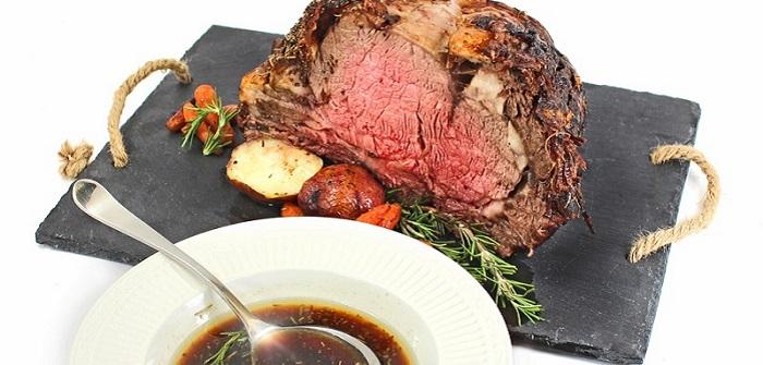 Fleischsaftgarung für Premium-Trockenfutter ( Foto: Shutterstock-_Daniel Zuber )